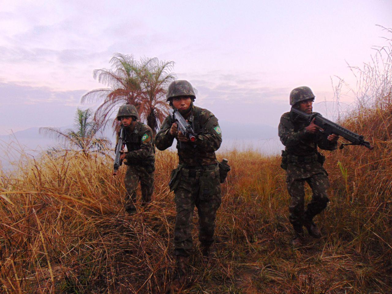 Força da Brigada de Infantaria Pára-quedista conquista certificação no Sistema de Prontidão Operacional