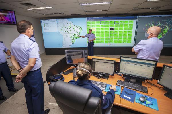 CGNA recebe visita do Comandante da Aeronáutica e membros do Alto-Comando