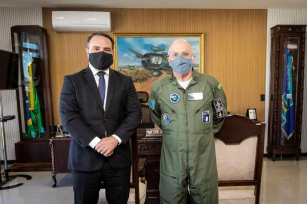 Comandante da Aeronáutica recebe Ministro da Secretaria-Geral da Presidência da República