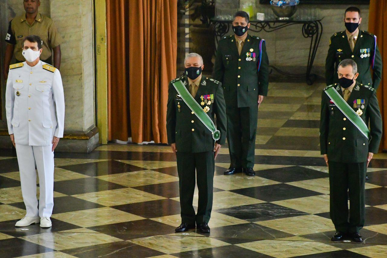 Cerimônia alusiva ao aniversário do Comando Militar do Leste e do Departamento de Educação e Cultura do Exército, no Palácio Duque de Caxias