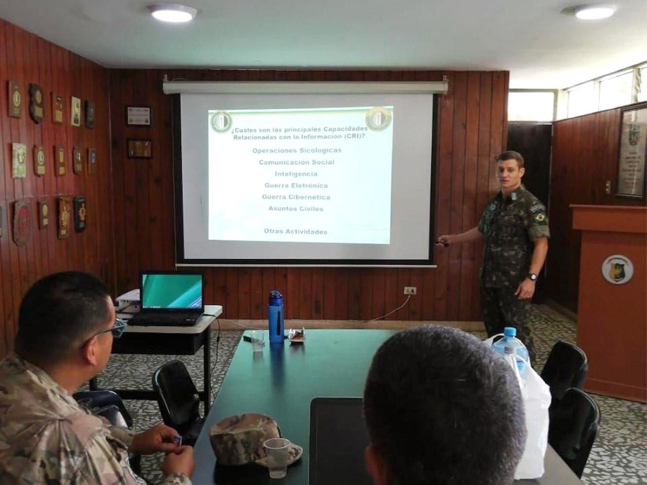 Em Lima (Peru), oficial do Exército Brasileiro é destaque como instrutor