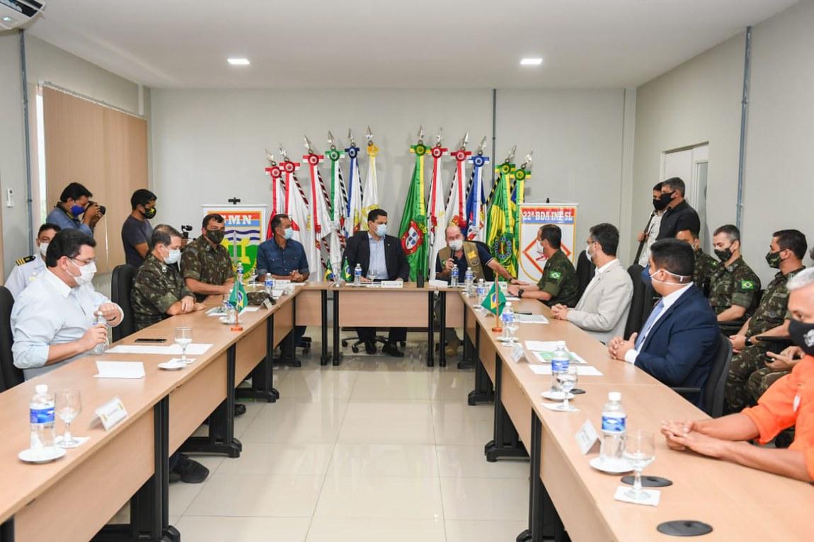 Em Macapá, Ministro confere atuação dos militares no combate à COVID-19 e visita hospital