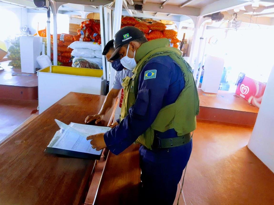 Embarcações irregulares são apreendidas em rios da Amazônia Legal