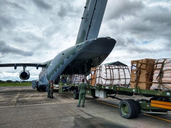 FAB transporta alimentos e materiais para Boa Vista