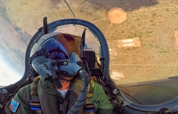 Futuros pilotos de caça realizam treinamento de emprego ar-solo