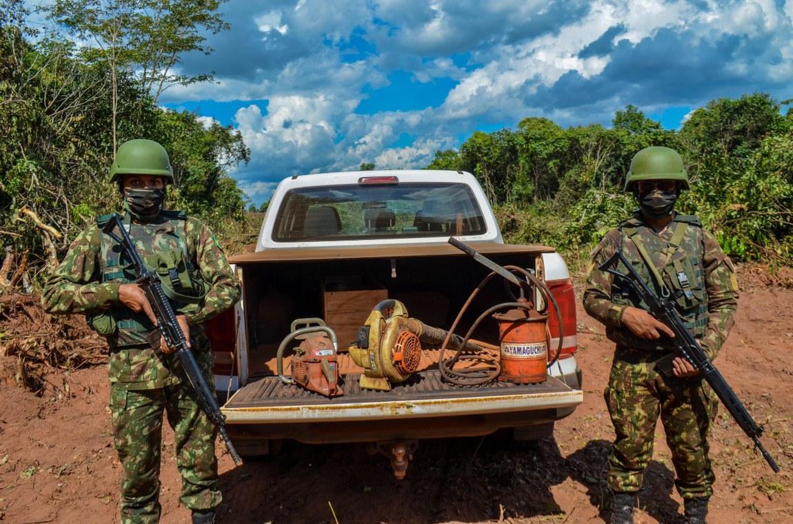 Militares apoiam desmonte de garimpo ilegal na Amazônia Legal