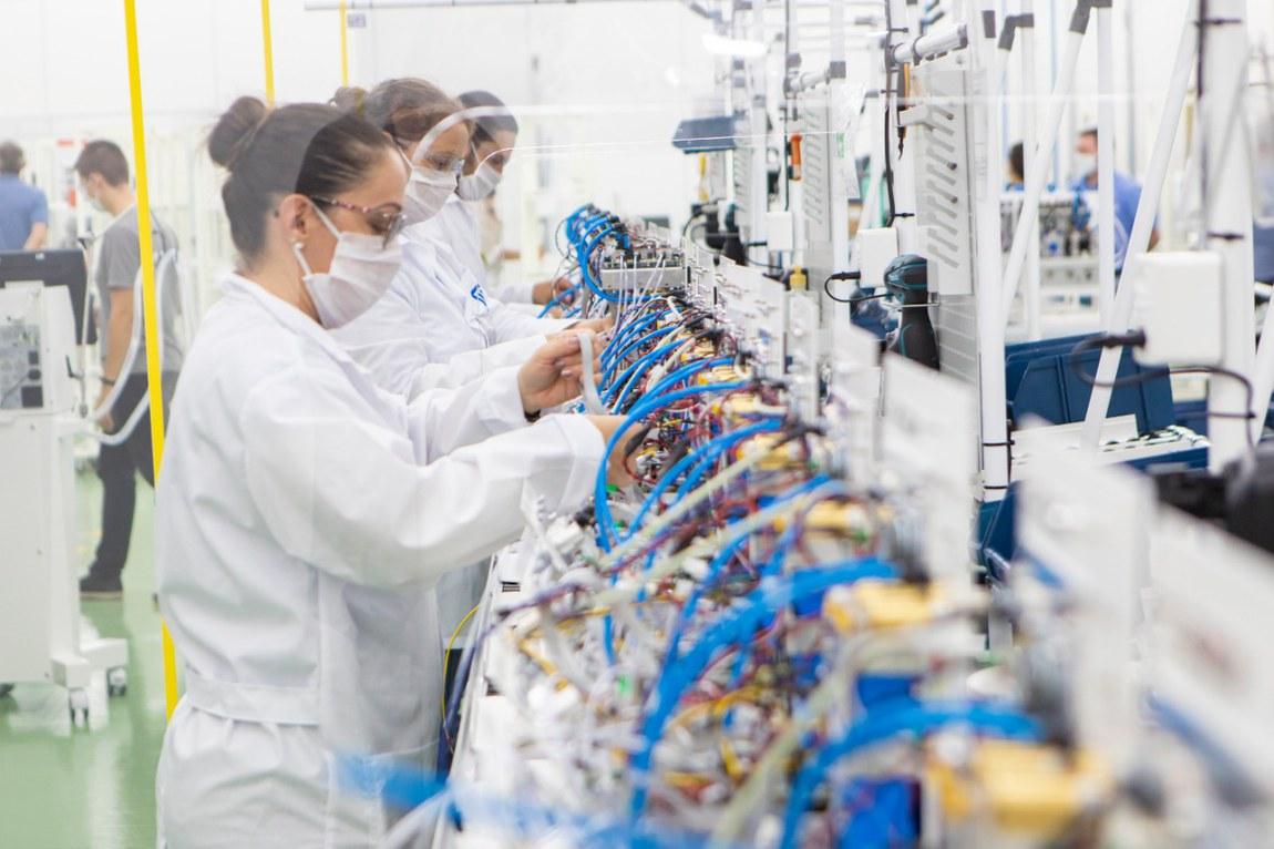 Ministério da Defesa incentiva indústria a produzir respiradores