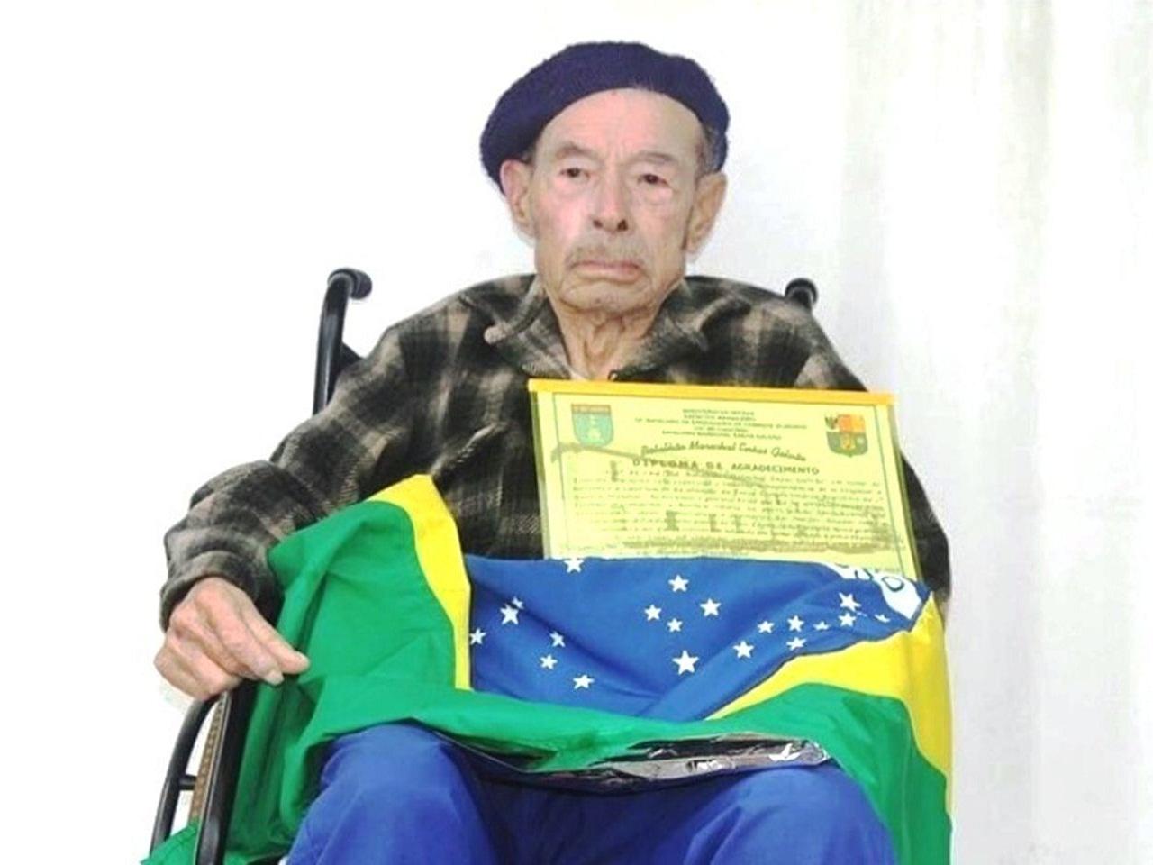 Exército presta homenagens de despedidas ao Sr. Alceu Alves Macedo, último herói brasileiro da 2ª Guerra Mundial nascido em Alegrete (RS)