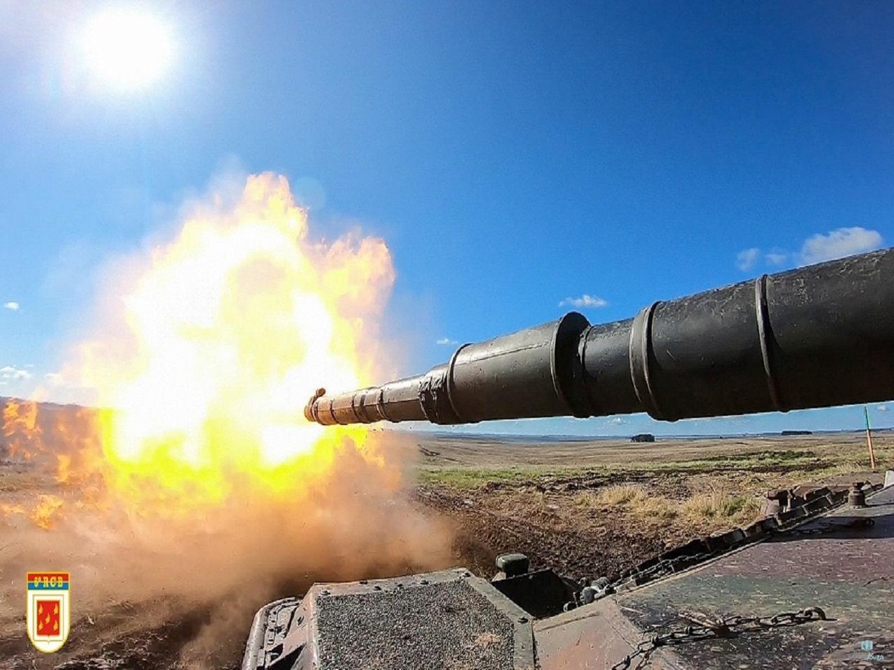 Primeiro tiro do carro de combate Leopard 1A5 BR do 6º Regimento de Cavalaria Blindado