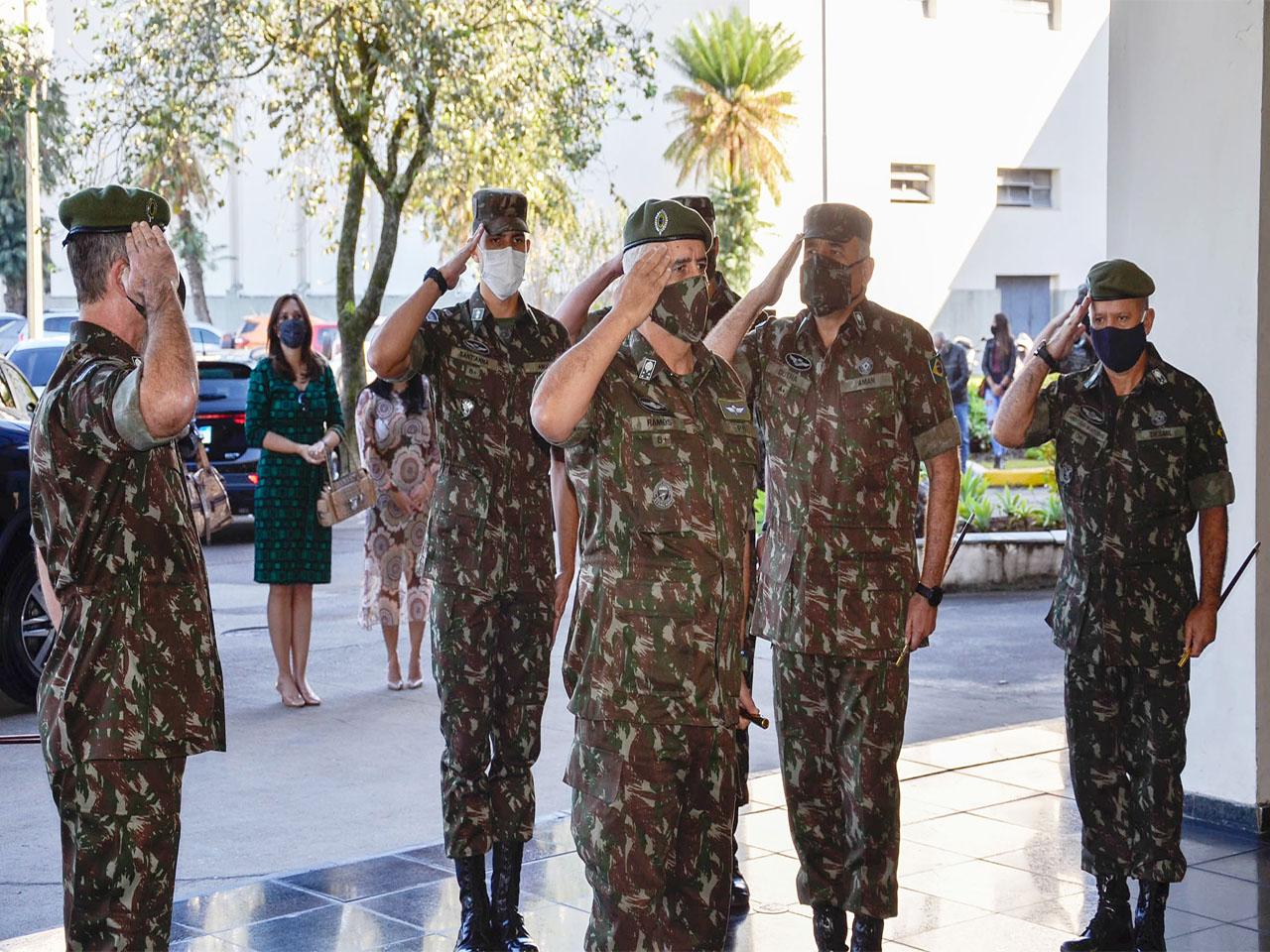 Academia Militar das Agulhas Negras homenageia o General Ramos
