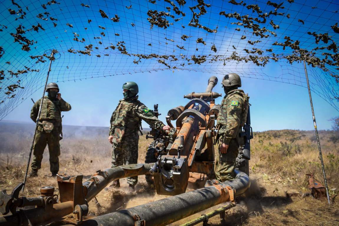 Adestramento militar da Marinha emprega equipamento de projeto Estratégico de Defesa