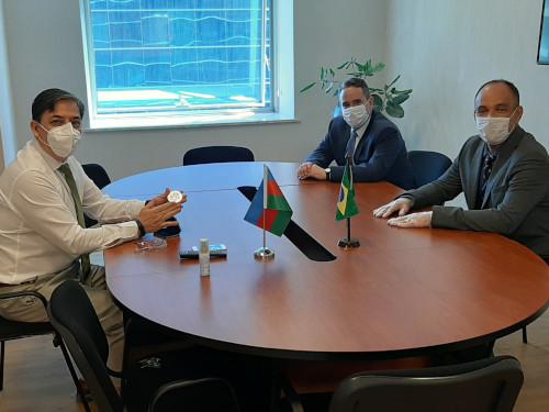 Adido Naval no Irã visita o Embaixador do Azerbaijão em Baku