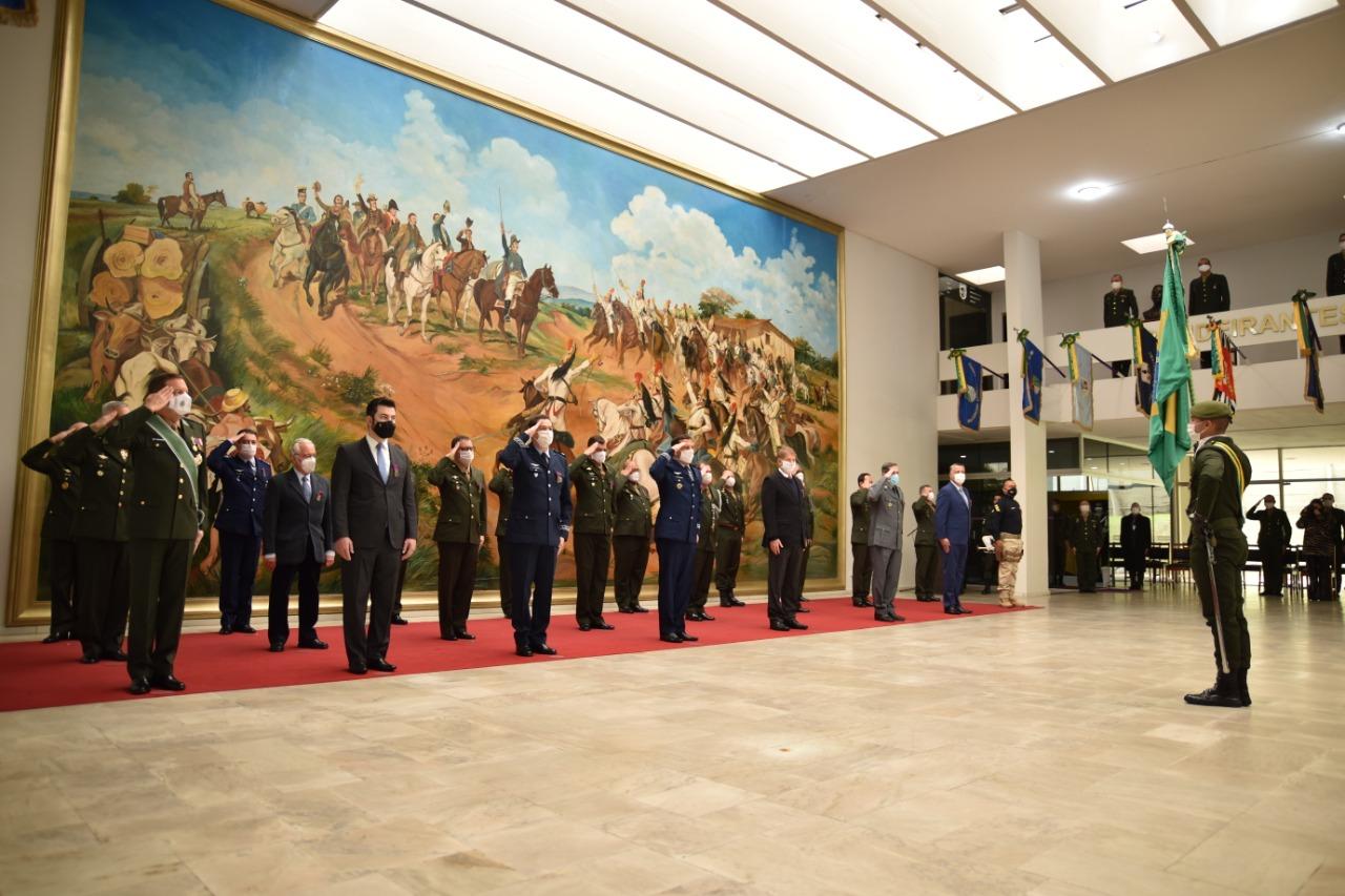 CMSE comemora Dia do Soldado e condecora personalidades com a Medalha do Pacificador