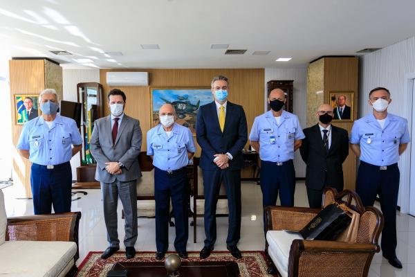 Comandante da Aeronáutica recebe Diretor-Geral da Polícia Federal