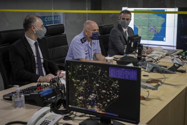 Comitiva do Ministério da Justiça e Segurança Pública visita instalações do COMAE
