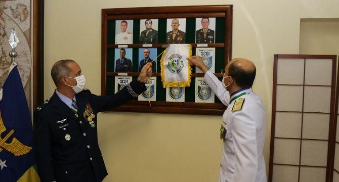 Defesa realiza cerimônia de transmissão de cargo da chefia de assuntos estratégicos