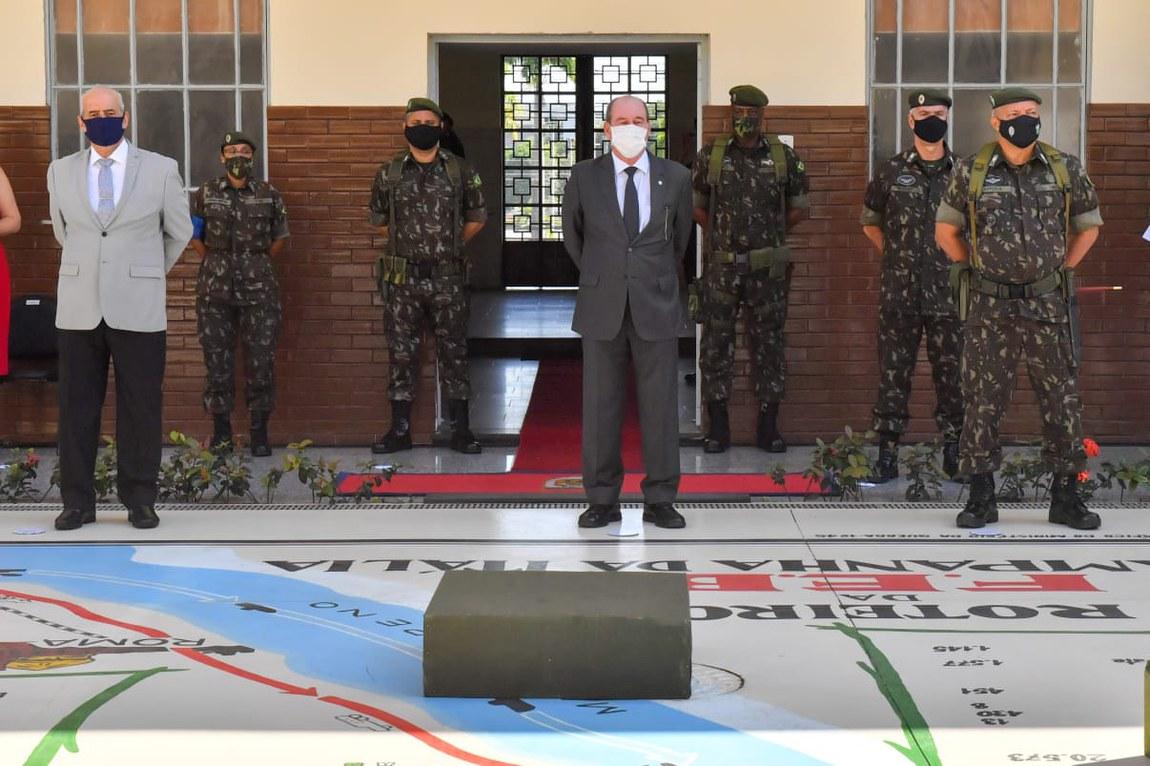 General Abrahão transmite o comando da 1ª Divisão de Exército ao General Kleber Nunes de Vasconcellos