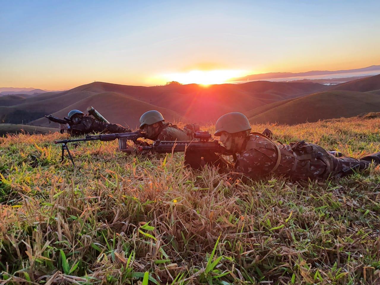 5° Batalhão de Infantaria Leve em adestramento da Força de Prontidão Aeromóvel do Exército Brasileiro
