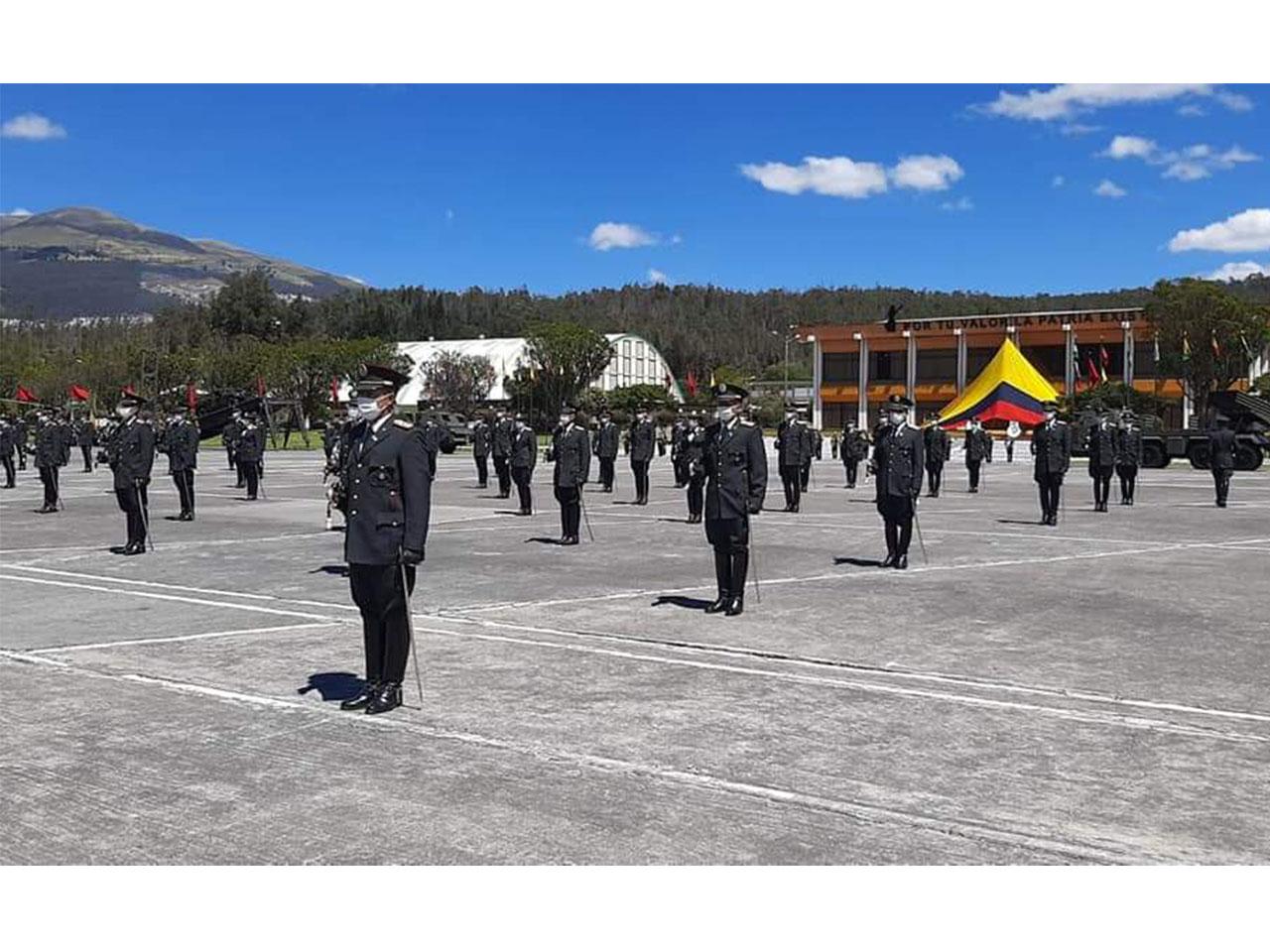 Aditância entrega Medalha Marechal Hermes em Quito, República do Equador