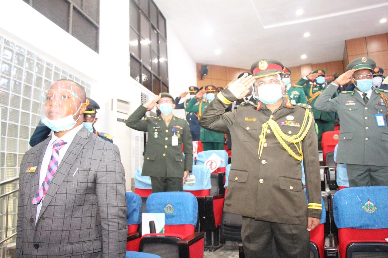 Oficial do Exército Brasileiro conclui curso de altos estudos no National Defence College da Nigéria