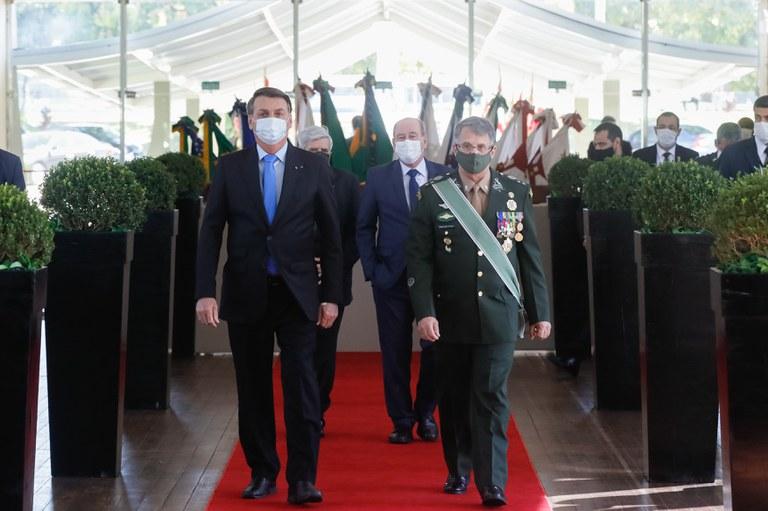 Presidente participa de cerimônia de ´promoção de Oficiais-Generais em Brasília