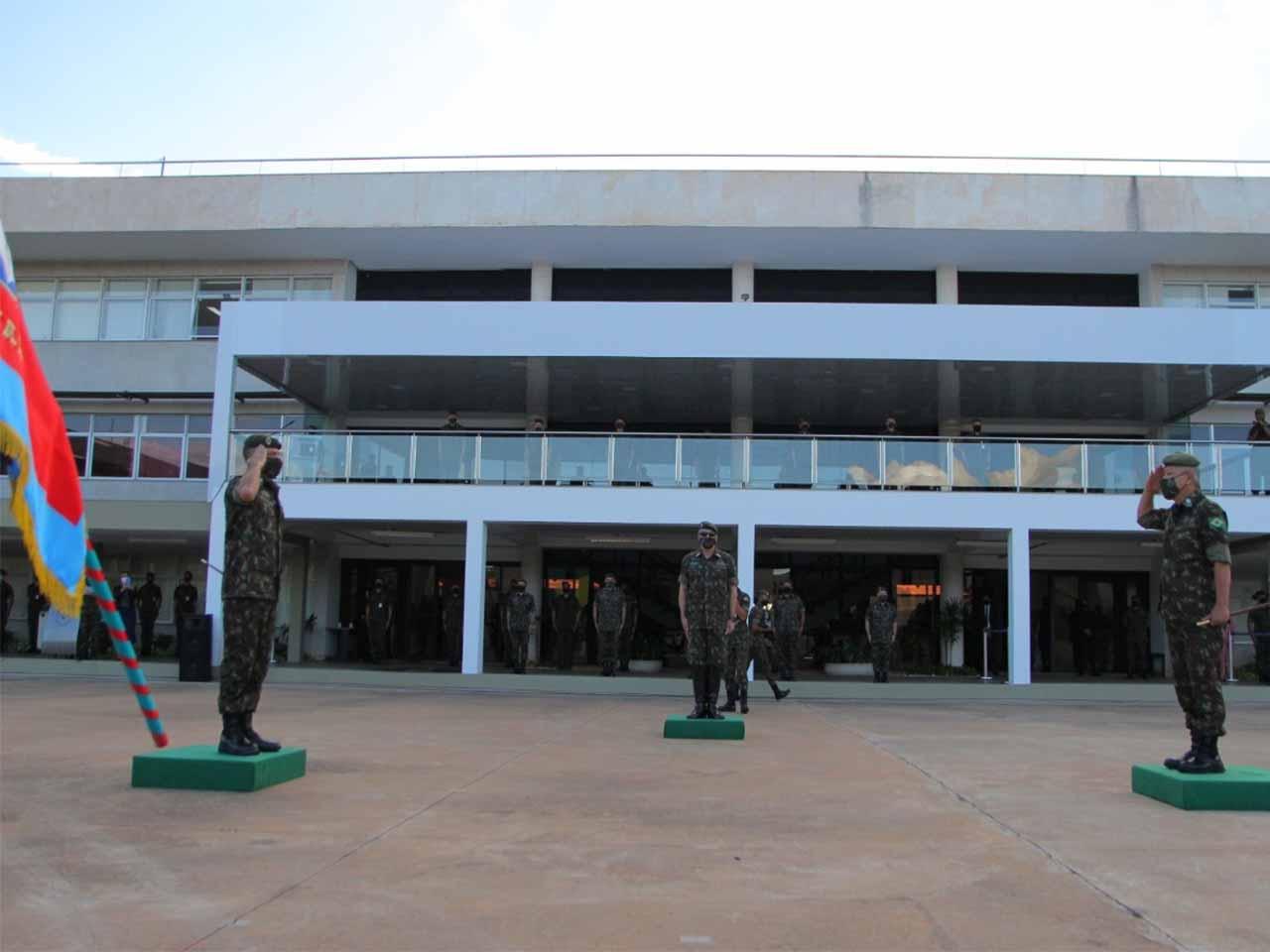 Solenidade de transmissão do cargo de Comandante Militar do Planalto é realizada na capital federal