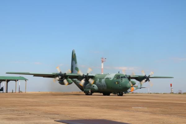 FAB lança paraquedistas e cargas das aeronaves C-130, C-105 e C-95
