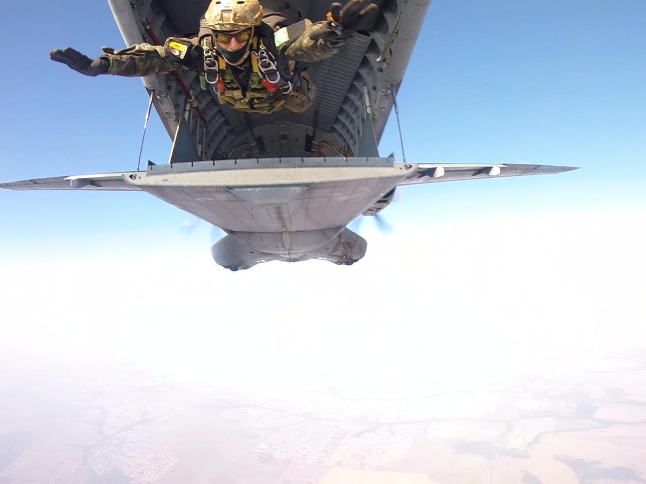 Operadores especiais do Exército participam de adestramento com a Força Aérea e a Marinha do Brasil