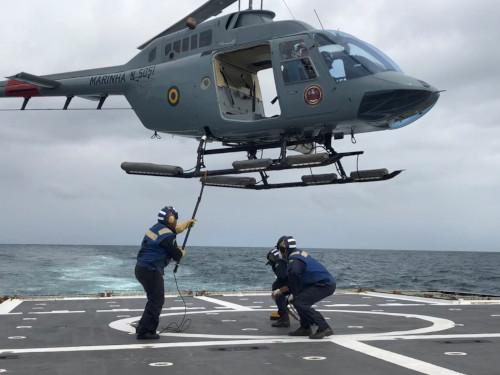 """Navio-Patrulha Oceânico """"Apa"""" realiza Vistoria de Segurança da Aviação"""