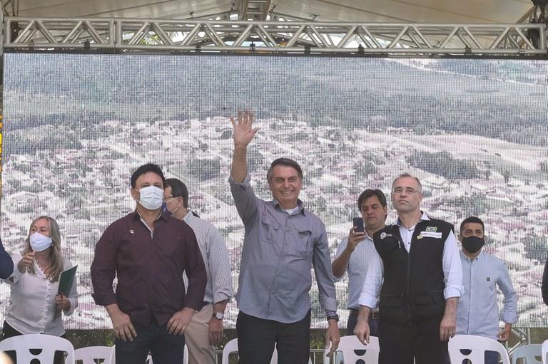 Presidente Bolsonaro visita projetos de construção de pontes no Vale do Ribeira