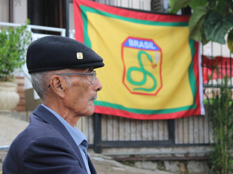 7º BIB homenageia veterano da Segunda Guerra por seus 100 anos de vida