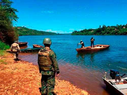 Delegacia Fluvial de Uruguaiana apoia apreensão de 1,5 tonelada de milho contrabandeado da Argentina