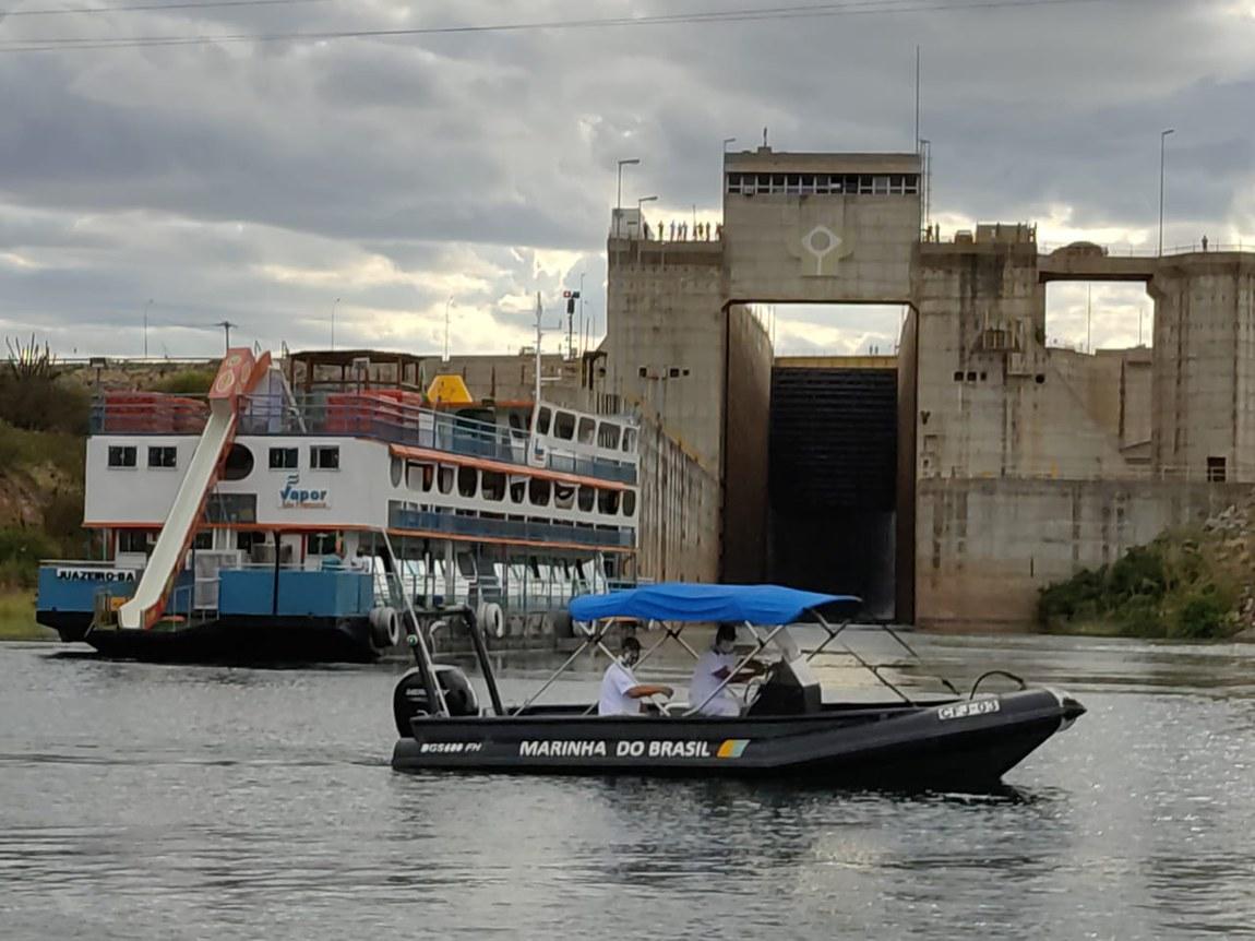 Marinha participa de ação para retomada das atividades da Eclusa de Sobradinho (BA)