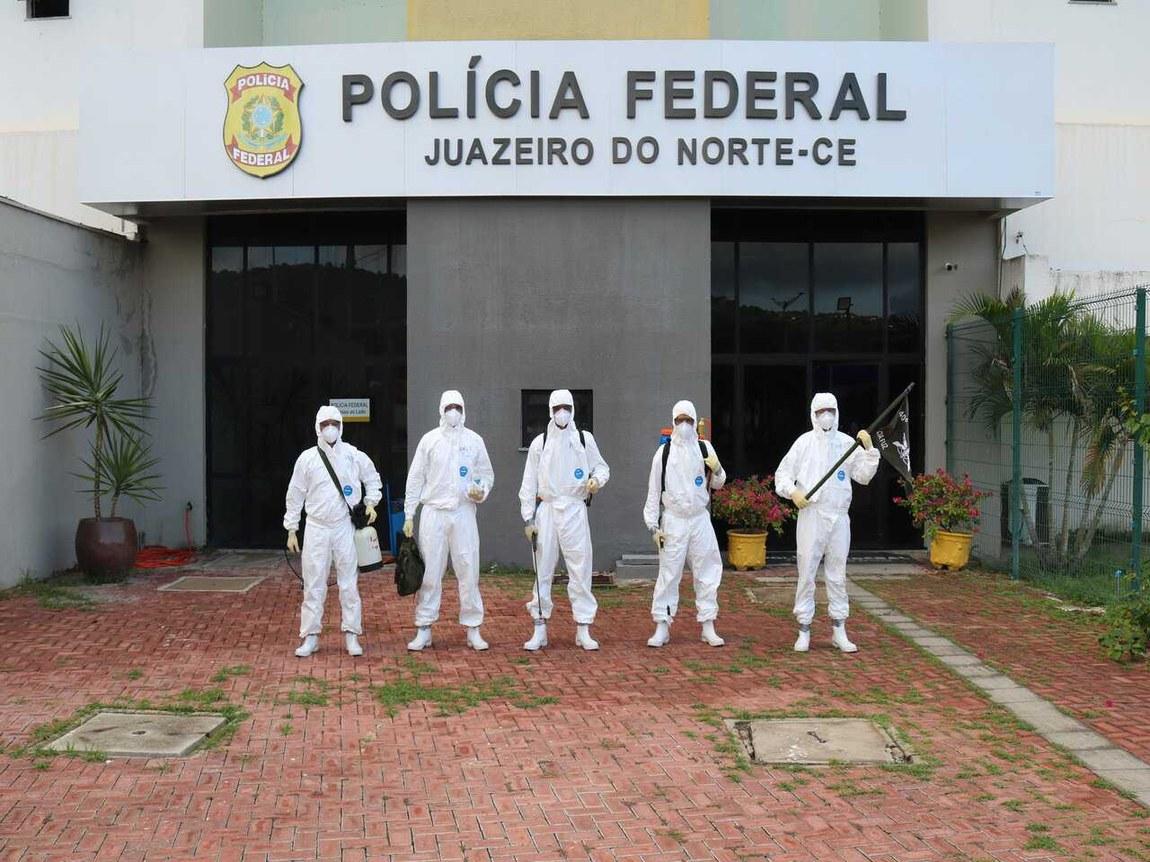 Militares transportam usina de produção de oxigênio de Manaus para Belém