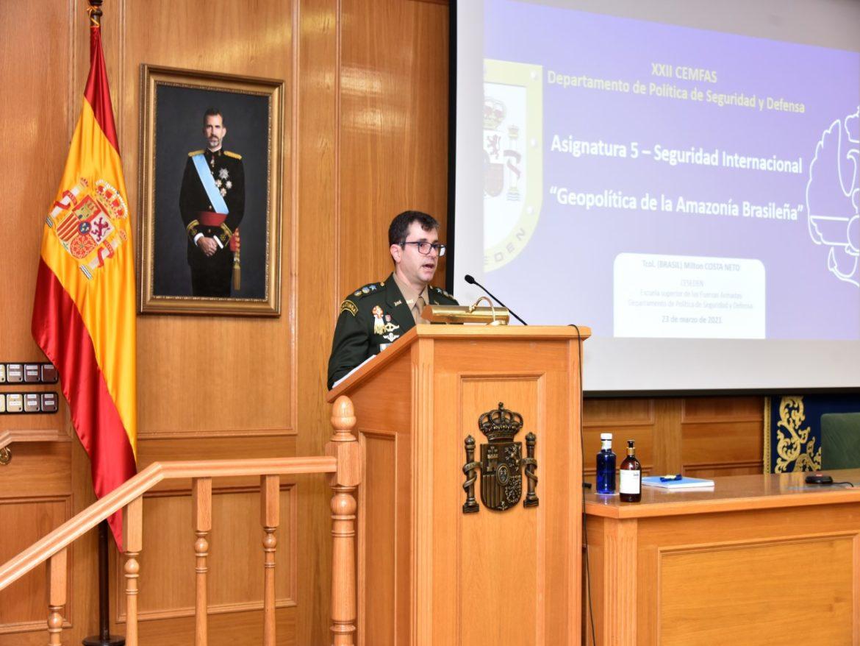 Amazônia brasileira é tema de conferência ministrada pelos oficiais brasileiros no Reino de Espanha