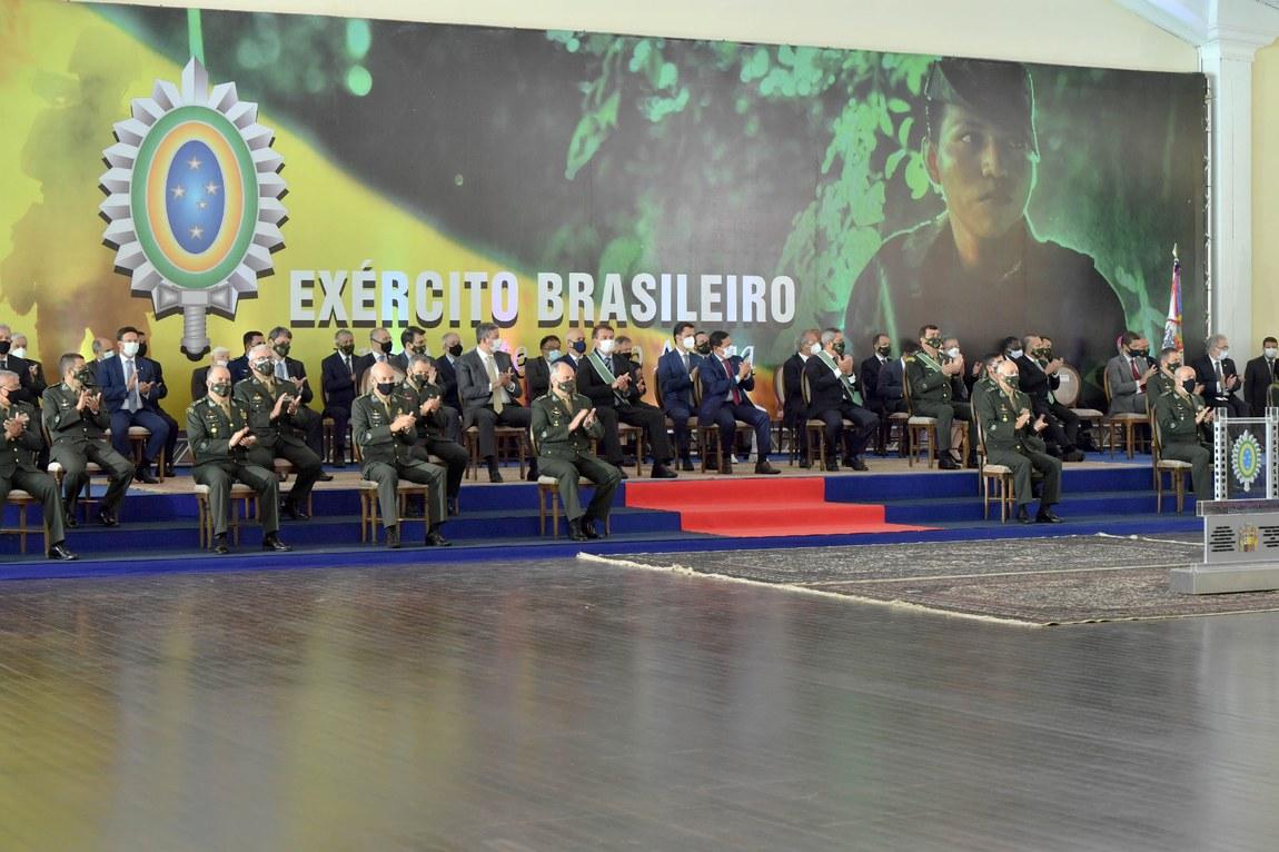 Cerimônia marca transmissão de cargo do Comando do Exército