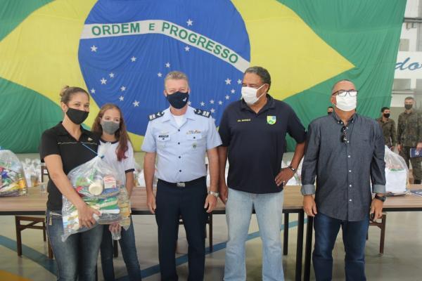 FAB distribui kits de alimentos aos participantes do PROFESP