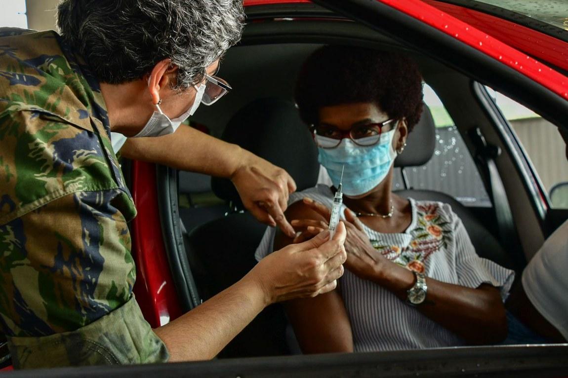 Forças Armadas abrem mais postos de vacinação