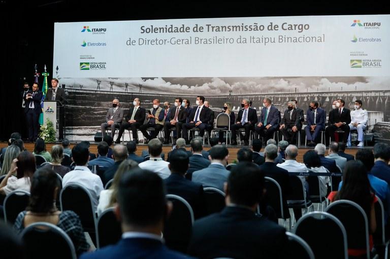 Novo diretor-geral brasileiro da Itaipu Binacional toma posse