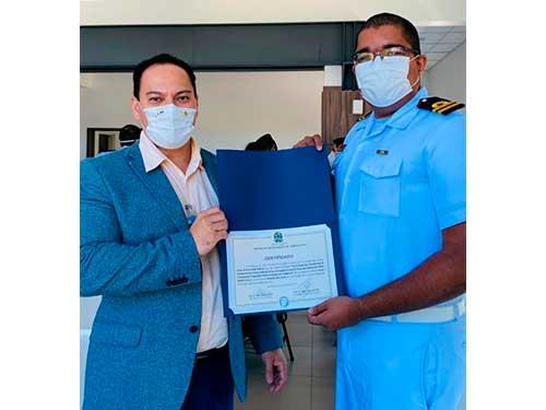 Oficial-Aluno da Marinha recebe Prêmio Destaque no Instituto Tecnológico de Aeronáutica