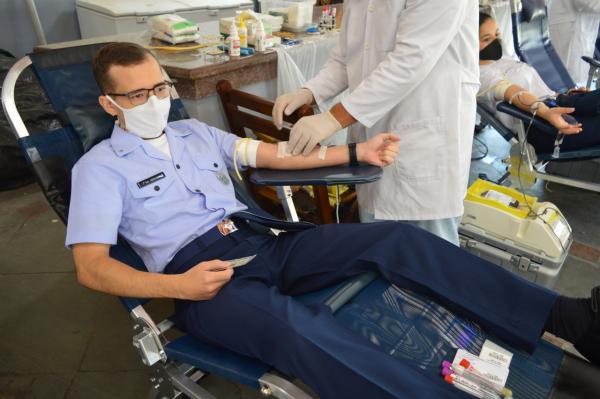 Militares da FAB realizam doação de sangue em todo País