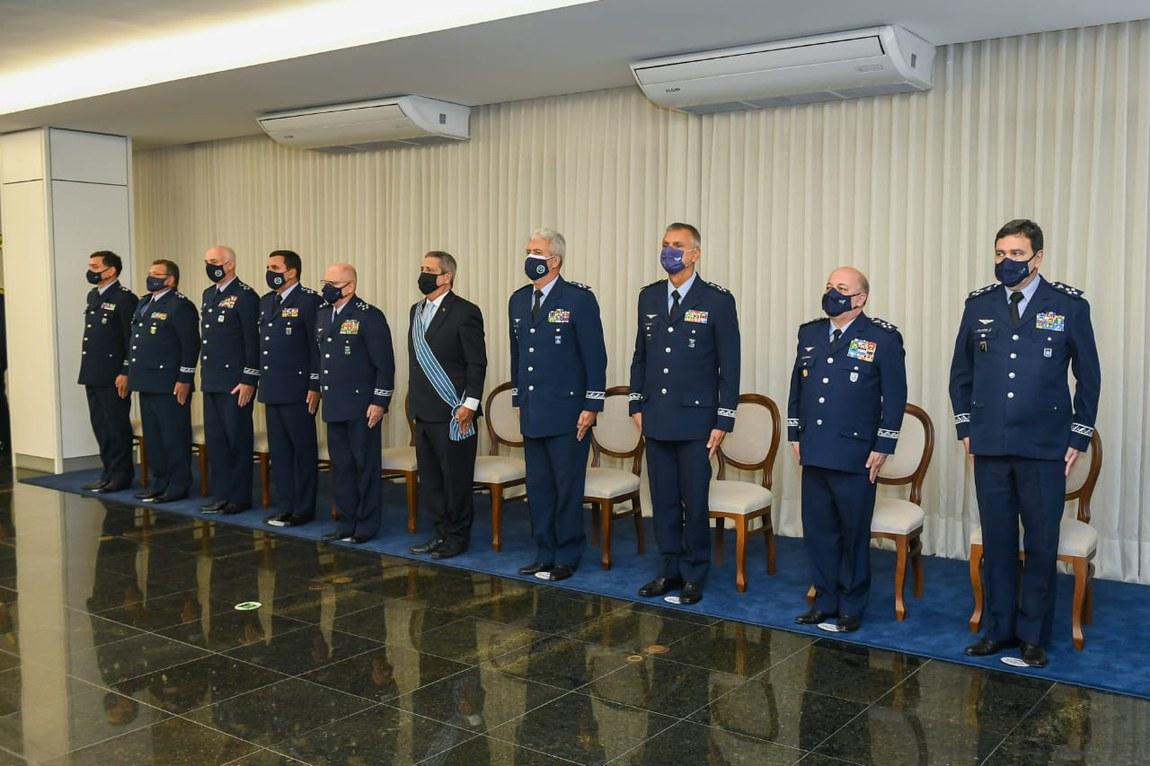 Ministro da Defesa recebe Comenda da Ordem do Mérito Aeronáutico