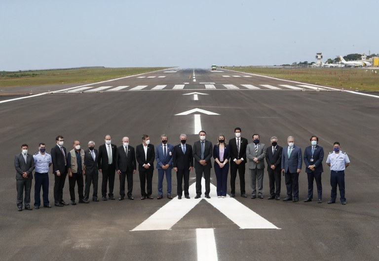 Pista de pouso e decolagem do aeroporto é ampliada
