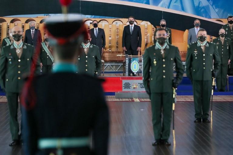 Presidente participa de cerimônia de promoção de oficiais generais do Exército