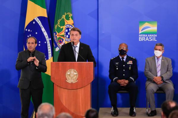 Presidente da República recebe Oficiais-Generais recém-promovidos