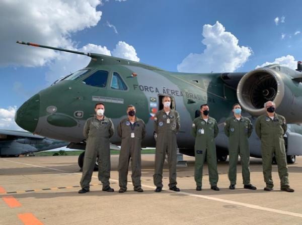 Reabastecimento em voo de dois KC-390 Millennium é certificado pelo DCTA