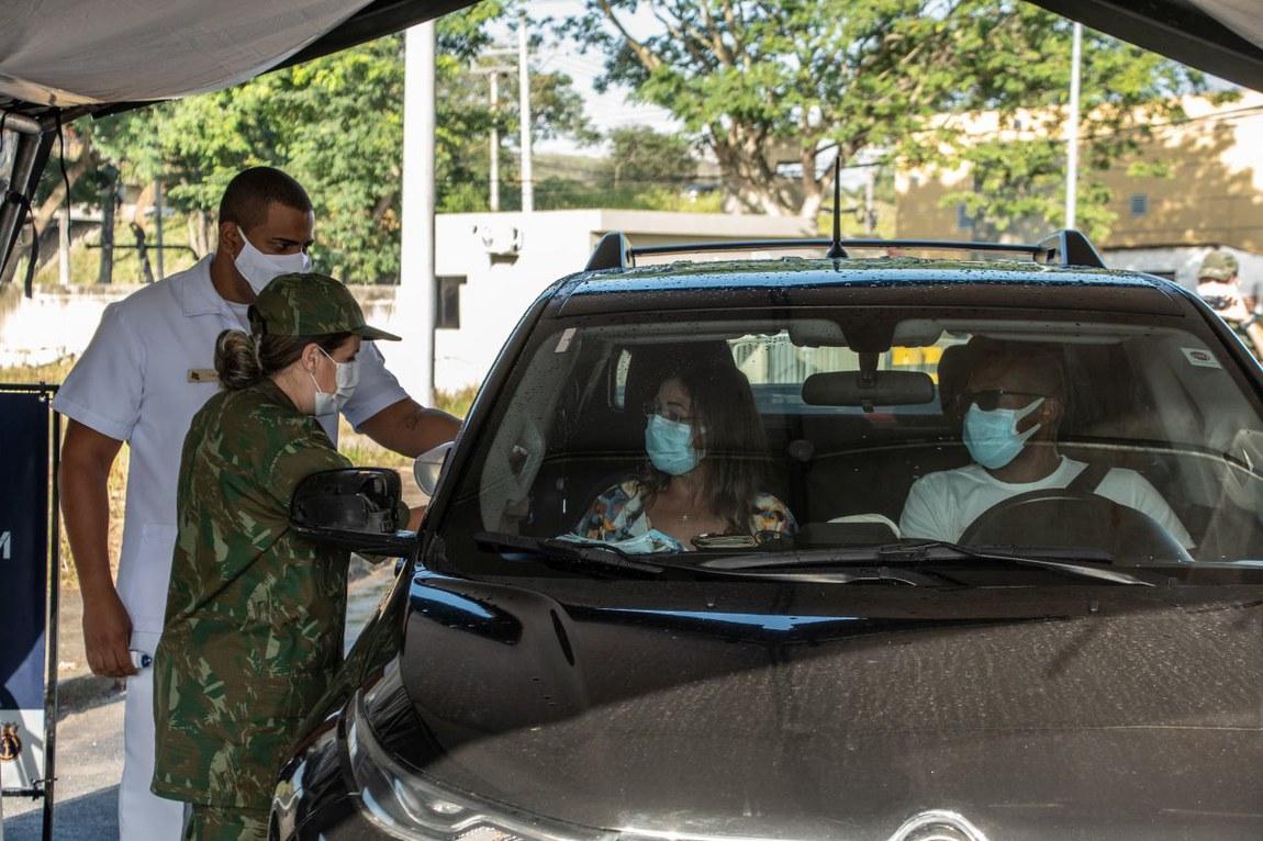 Rio de Janeiro inaugura mais um posto de vacinação com apoio das Forças Armadas