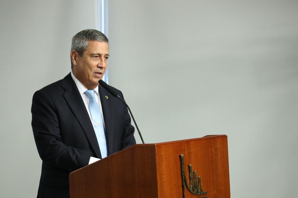 Walter Braga Netto toma posse como Ministro da Defesa