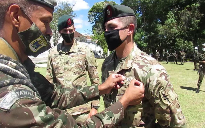 Curso Básico de Montanhismo forma 22 militares brasileiros e norte-americanos