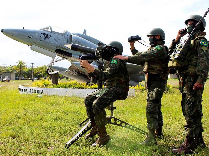 Batalhão de Combate Aéreo realiza exercício com a Força Aeronaval e a Força Aérea Brasileira